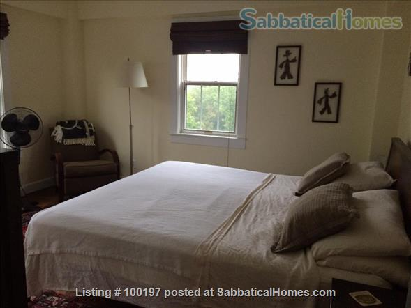 2BR Cathedral Heights furnished condo with indoor parking / tree top views / easy bus ride to downtown, Georgetown, AU Home Rental in Washington, District of Columbia, United States 5