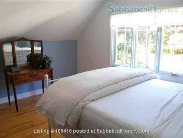 Guesthouse in Historic Home Home Rental in Gatineau, Quebec, Canada 3