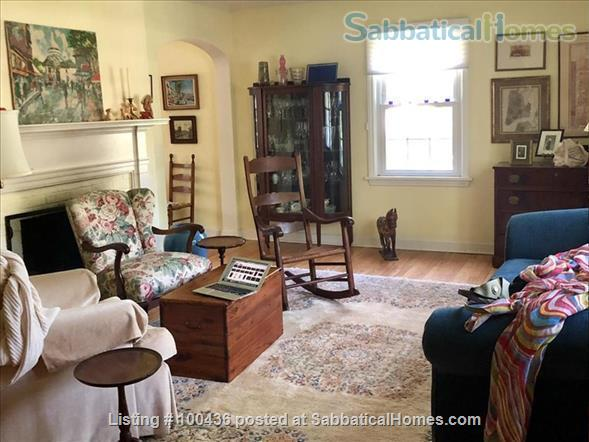 Beautiful furnished room in Shorewood Hills (Madison) Wisconsin Home Rental in Madison, Wisconsin, United States 1