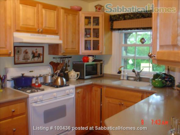 Beautiful furnished room in Shorewood Hills (Madison) Wisconsin Home Rental in Madison, Wisconsin, United States 5