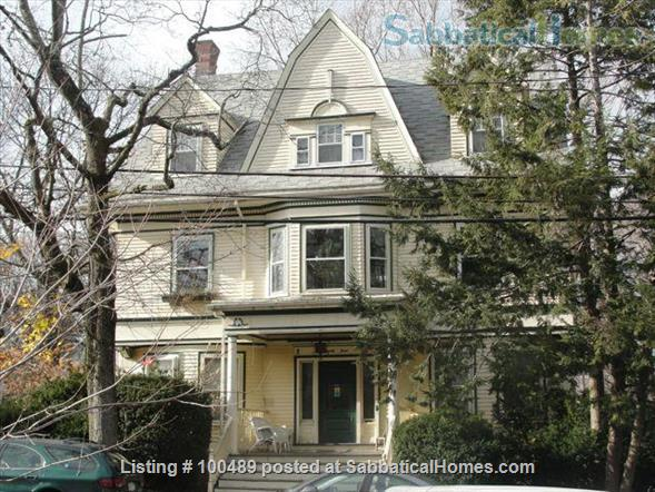 Sunny and Charming 2 BR in Historic Victorian in Arlington Center Home Rental in Arlington, Massachusetts, United States 4