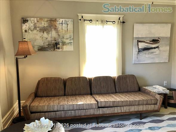 OLD WESTSIDE-Renovated flat.  Walk to campus/downtown-All Utilities/WIFI Home Rental in Ann Arbor, Michigan, United States 3