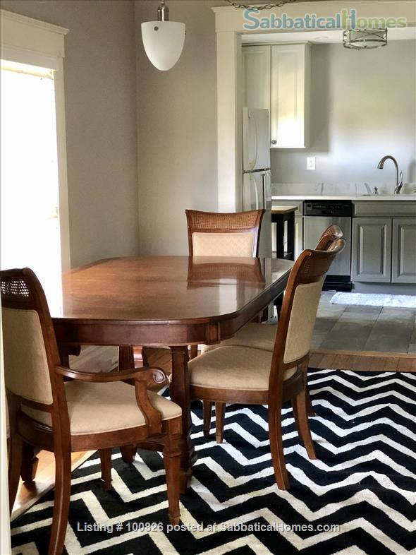 OLD WESTSIDE-Renovated flat.  Walk to campus/downtown-All Utilities/WIFI Home Rental in Ann Arbor, Michigan, United States 7