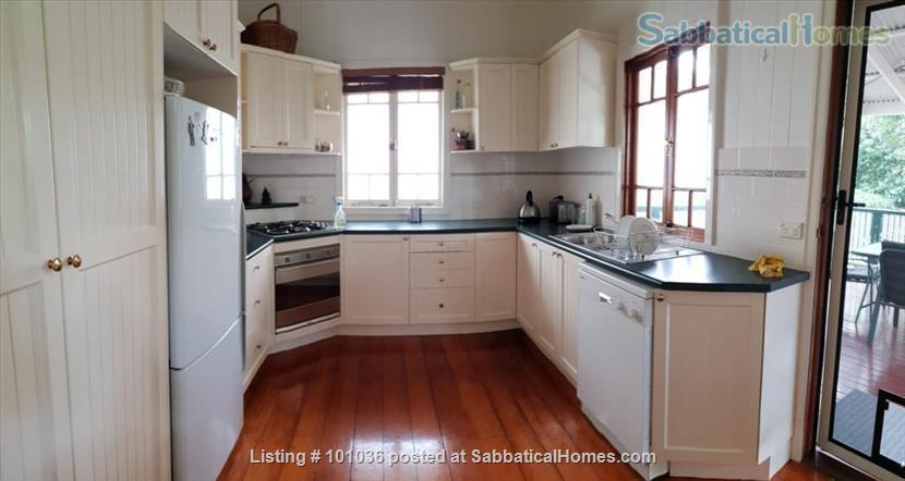 Brisbane - Beautiful fully furnished Traditional Queenslander home in quiet location, 4.5 kms from Centre of Brisbane City, short walk to Coorparoo junction buses, easy access to UQ, QUT, Mater and PA Home Rental in Coorparoo, QLD, Australia 2
