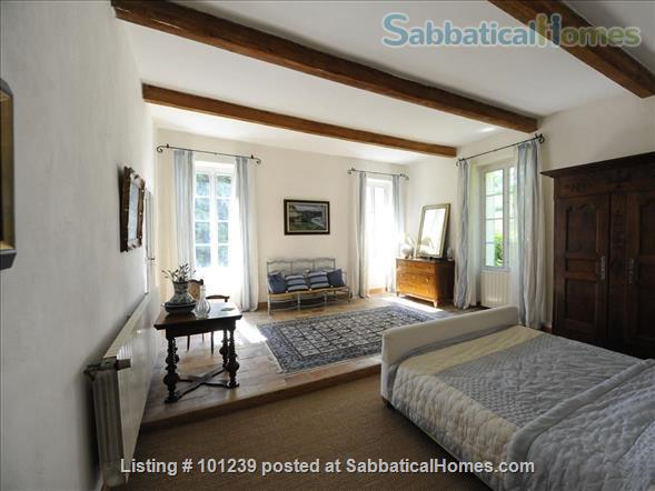 Fabulous 18c property 25 minutes from Aix en Provence Home Rental in Lambesc, Provence-Alpes-Côte d'Azur, France 2