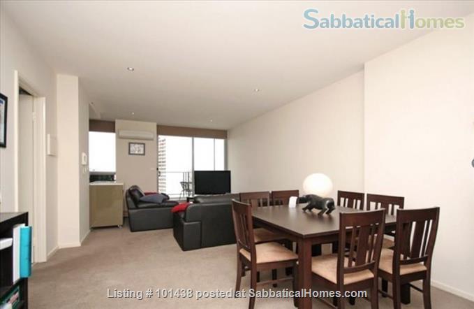 Stylish apartment alongside Australian National University (ANU) Home Exchange in Canberra, ACT, Australia 4