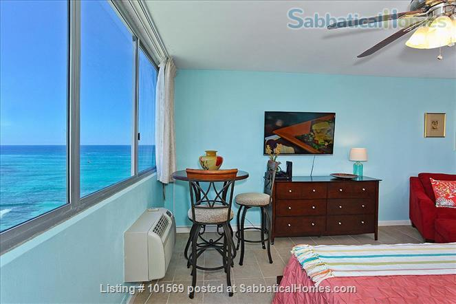 Waikiki Beachfront Gem Home Rental in Honolulu, Hawaii, United States 2