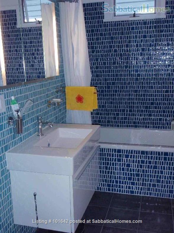Harvard Sq, Cambridge, Beautiful, furnished 3BR 1200sqf apt. with backporch Home Rental in Cambridge, Massachusetts, United States 9