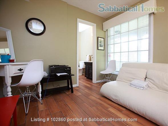 Charming West Raleigh Home near NC State University, Lake Johnson & Downtown Raleigh  Home Rental in Raleigh, North Carolina, United States 3