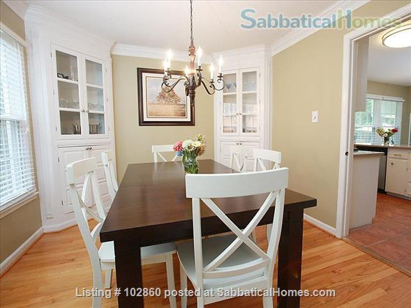 Charming West Raleigh Home near NC State University, Lake Johnson & Downtown Raleigh  Home Rental in Raleigh, North Carolina, United States 8