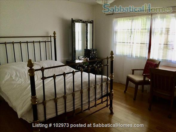 Peaceful 2 bed condo in beautiful area near Culver City. Home Rental in Los Angeles, California, United States 0