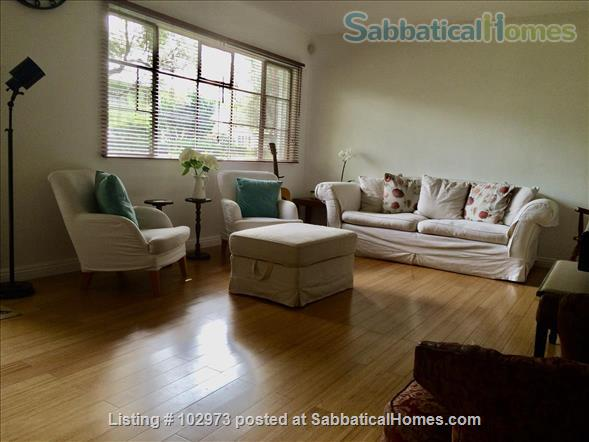 Peaceful 2 bed condo in beautiful area near Culver City. Home Rental in Los Angeles, California, United States 2