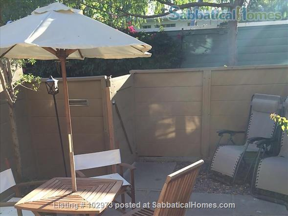 Peaceful 2 bed condo in beautiful area near Culver City. Home Rental in Los Angeles, California, United States 5