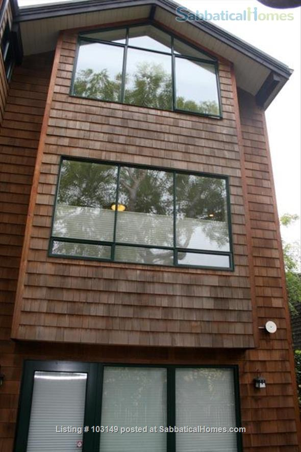 North Berkeley Town Home: 3 story, 3 bedrooms, 3 baths with GG view Home Rental in Berkeley, California, United States 1