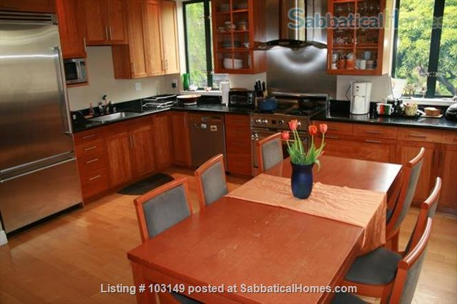 North Berkeley Town Home: 3 story, 3 bedrooms, 3 baths with GG view Home Rental in Berkeley, California, United States 4