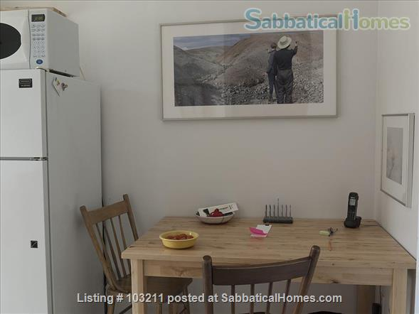 Sunny and quiet one bedroom apartment in Little Italy Home Rental in Ottawa, Ontario, Canada 7