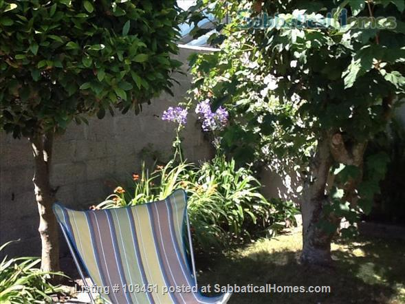 Brittany small holiday house by the sea Home Rental in Brignogan-Plage, Bretagne, France 2