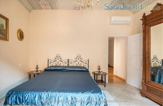 Fast WiFi, remote work (apt.3S) Deluxe 3br, 1500sqft apt  in Central Ancient Bldg w/Elevator Home Rental in Firenze, Toscana, Italy 3