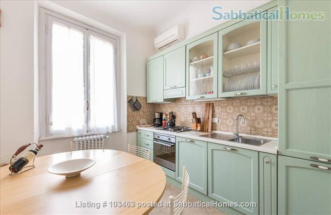 Fast WiFi, remote work (apt.3S) Deluxe 3br, 1500sqft apt  in Central Ancient Bldg w/Elevator Home Rental in Firenze, Toscana, Italy 7