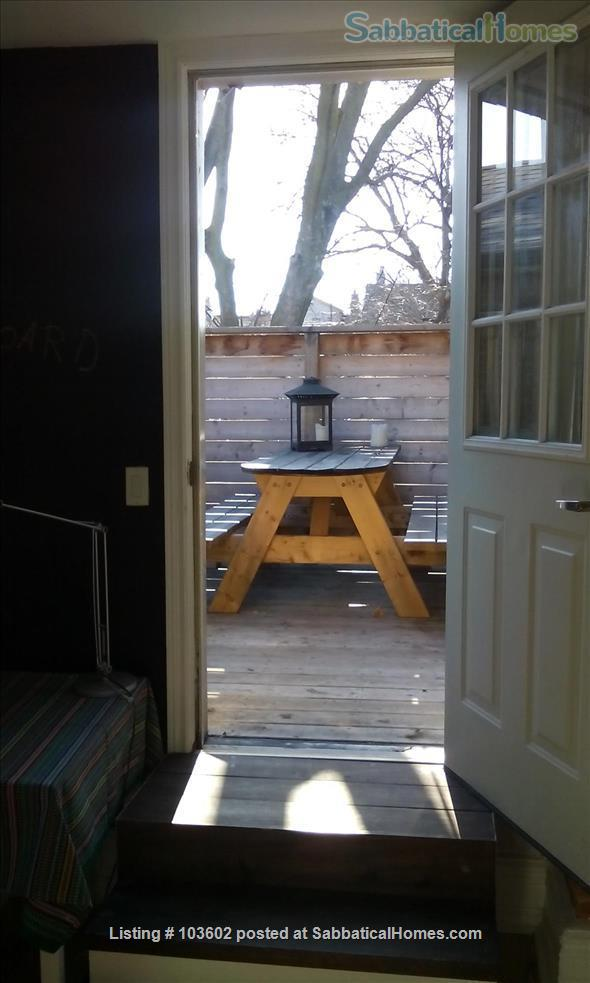 Bright, comfortable 2-Bed in Victorian in Parkdale/Roncesvalles Home Rental in Toronto, Ontario, Canada 4