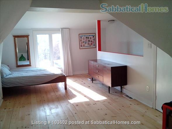 Bright, comfortable 2-Bed in Victorian in Parkdale/Roncesvalles Home Rental in Toronto, Ontario, Canada 7
