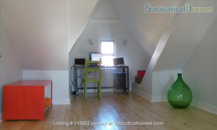 Bright, comfortable 2-Bed in Victorian in Parkdale/Roncesvalles Home Rental in Toronto, Ontario, Canada 8