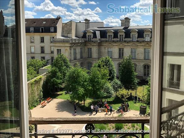 Exceptional one-bedroom apartment in central Paris (Beaubourg/Centre Pompidou). Quiet, secure, offering stunning views  Home Rental in Paris 1