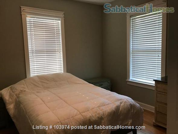 Beautiful 2 Bedroom Walk to Campus Home Rental in Bloomington, Indiana, United States 0