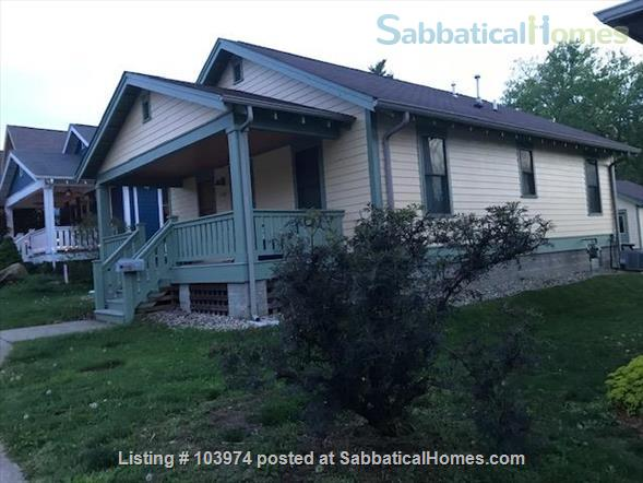 Beautiful 2 Bedroom Walk to Campus Home Rental in Bloomington, Indiana, United States 7