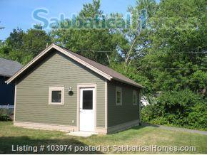 Beautiful 2 Bedroom Walk to Campus Home Rental in Bloomington, Indiana, United States 8