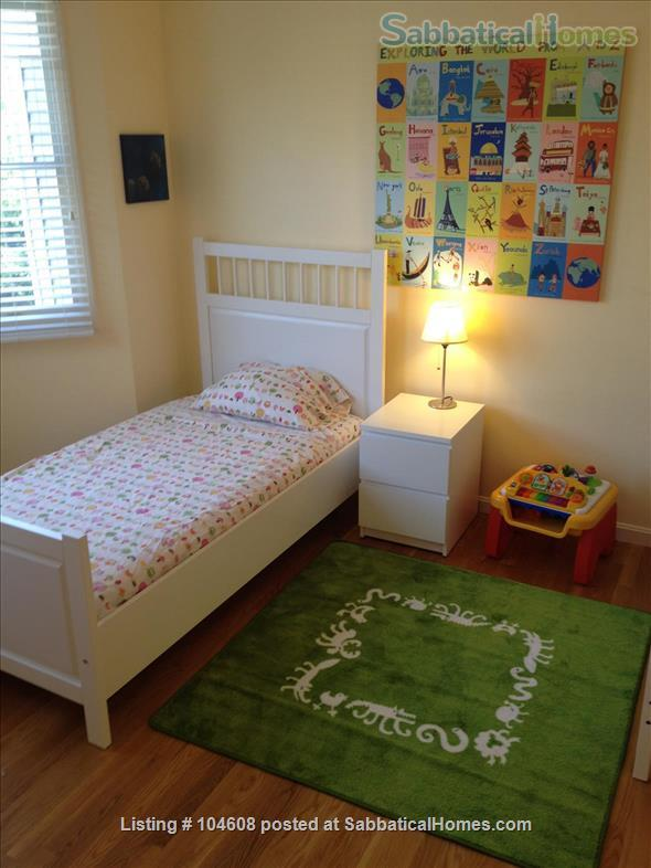 PERFECT TOWN HOUSE WALKING DISTANCE FROM HARVARD AND MIT Home Rental in Somerville, Massachusetts, United States 0