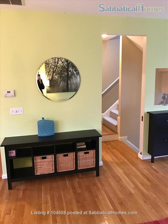 PERFECT TOWN HOUSE WALKING DISTANCE FROM HARVARD AND MIT Home Rental in Somerville, Massachusetts, United States 4