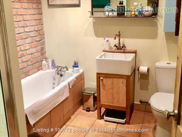 Lovely garden apartment in Georgian house Home Rental in Greater London, England, United Kingdom 3