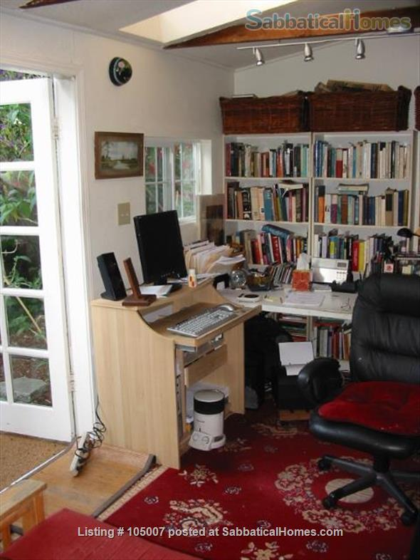 Beautiful small house in Berkeley annex, separate work studio, private  garden 10 minutes from U.C. campus Home Rental in Albany, California, United States 6