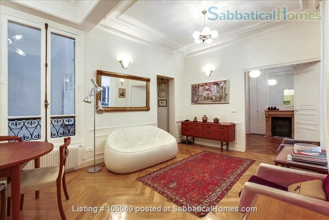 2 bdrm. renovated, 6E, 4 people, first floor, very quiet. Home Rental in Paris, Île-de-France, France 1