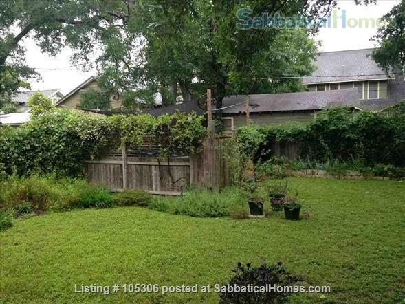 Beautiful 2 Bedroom 1920s Craftsman House Home Rental in Austin, Texas, United States 2