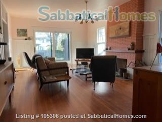 Beautiful 2 Bedroom 1920s Craftsman House Home Rental in Austin, Texas, United States 3