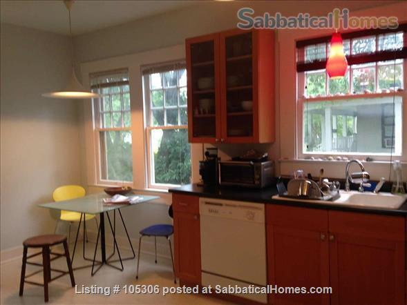 Beautiful 2 Bedroom 1920s Craftsman House Home Rental in Austin, Texas, United States 4