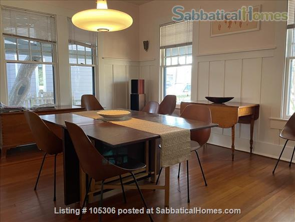 Beautiful 2 Bedroom 1920s Craftsman House Home Rental in Austin, Texas, United States 5