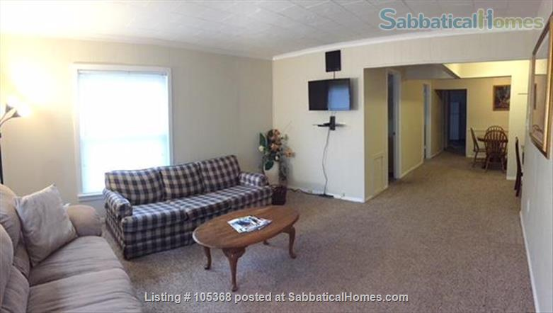 Clean & Comfy 1 or 2 BR apts close to Notre Dame Home Rental in South Bend, Indiana, United States 3