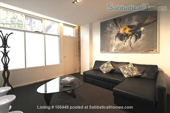 The Hive Graffiti Apartment Home Rental in Carlton, VIC, Australia 9
