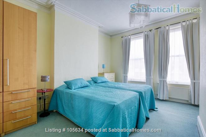 Lovely,  large, light 2-bedroom, 2-bathroom apartment on a leafy street in  the charming Crouch End area of London Home Rental in London 5 - thumbnail