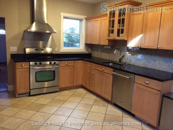 Sunny spacious single-family house (furnished!) in great Cambridge location Home Rental in Cambridge, Massachusetts, United States 1