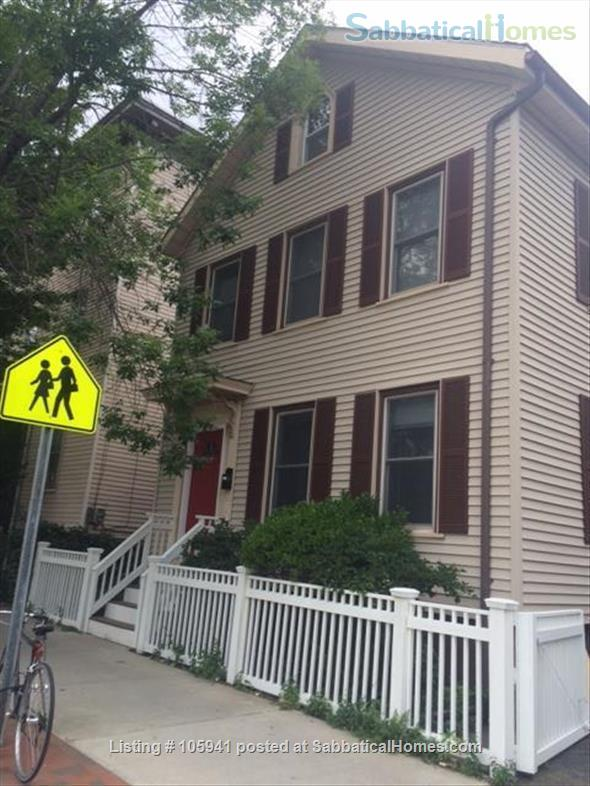 Sunny spacious single-family house (furnished!) in great Cambridge location Home Rental in Cambridge, Massachusetts, United States 2
