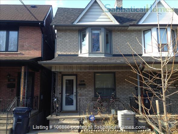 Beautiful 4  bedroom home in downtown Toronto Home Rental in Toronto 7