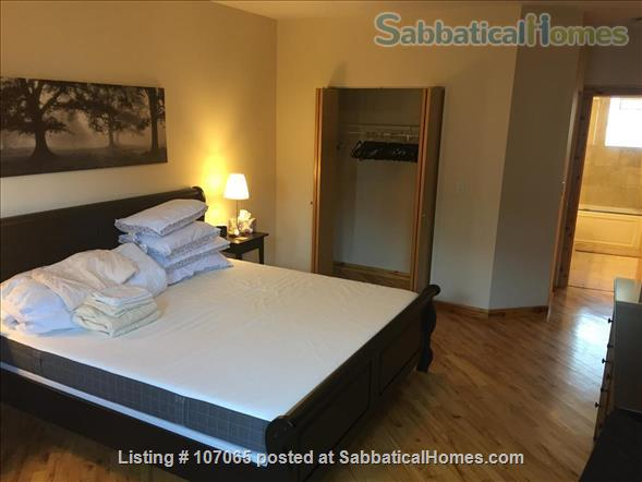 Hyde Park (52nd/Kimbark)  Fully-Furnished 2.5 Bdrm,  Home Rental in Chicago, Illinois, United States 3