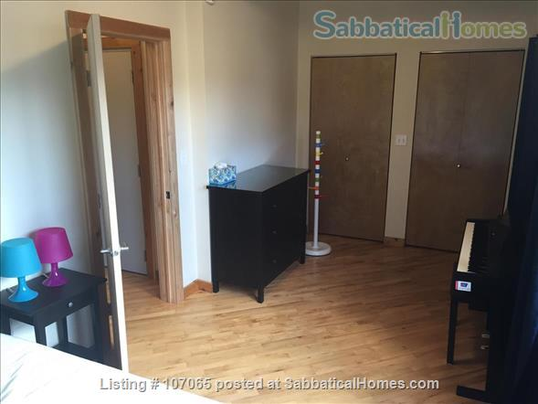 Hyde Park (52nd/Kimbark)  Fully-Furnished 2.5 Bdrm,  Home Rental in Chicago, Illinois, United States 8