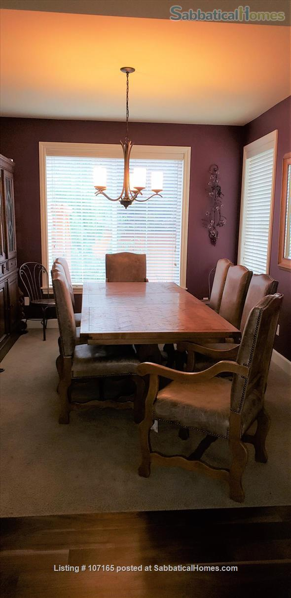 Come HOME to worldly friends! Huge Master Suite in upscale neighborhood home! Home Rental in Brier, Washington, United States 6