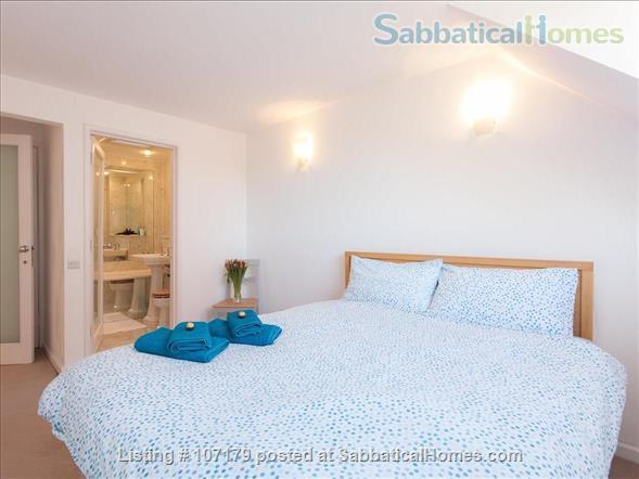 Two bedroom, two bathroom apartment to rent in London's fashionable Chelsea neighborhood.  Option to pay rent in dollars. Home Rental in London, England, United Kingdom 5