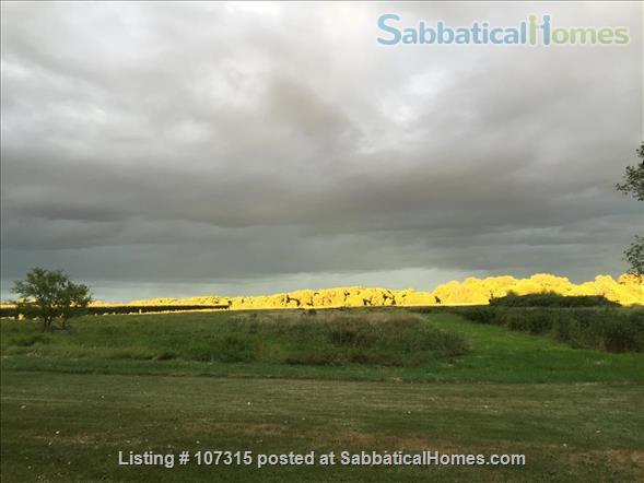 Beautiful quiet  rural furnished farmstead between Fargo and Grand Forks  Home Rental in Traill County, North Dakota, United States 2